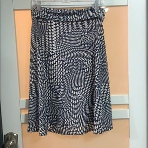 LuLaRoe Navy and White Patterned Skirt, Sz L